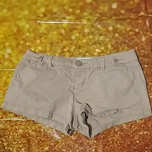 American Eagle outfitters tan shorts size 4